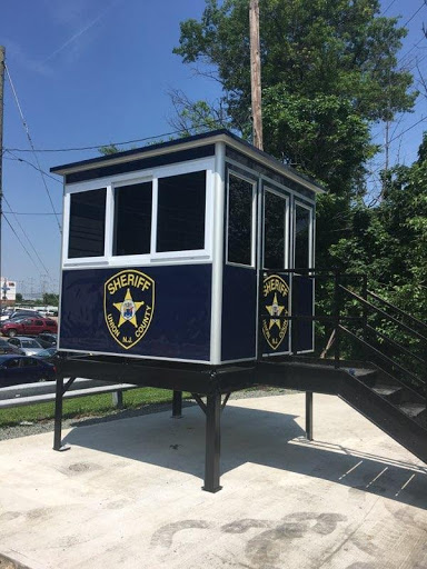 Elevated Sheriff security booth
