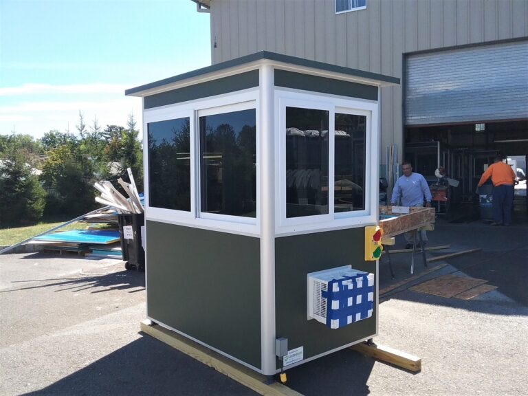 4x6 Front Entrance Booth in Orlando, Fl with Traffic Lights, Tinted Windows, Anchoring Brackets, and Built-in AC