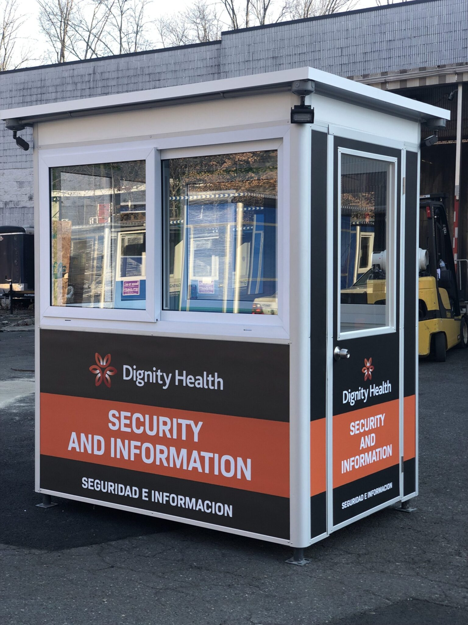 4x6 Security Guard Booth in San Luis Obispo, CA with Custom Graphics, and Exterior Electric Disconnect Switch