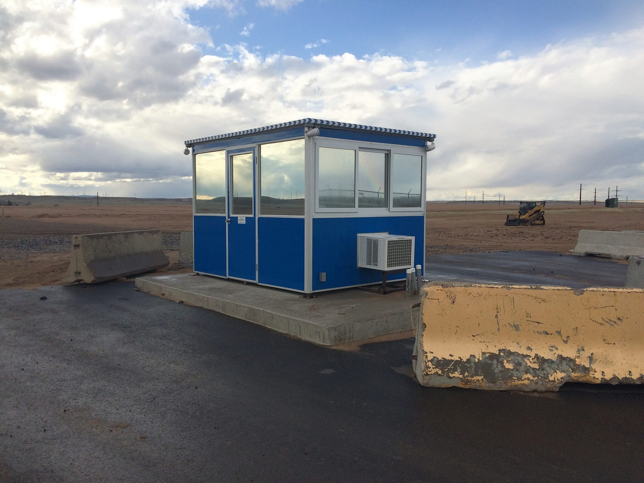 8x10 Security Guard Booth in Sandston, VA with Built-in AC, Breaker Panel Box,  and Ethernet Port and Phone Line