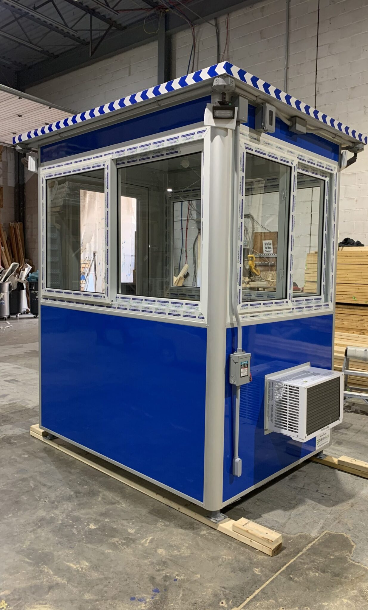 4x6 Airport Security Booth in Columbus, OH with AC, Outside LED Spotlights and Exterior Electrical Disconnect Switch