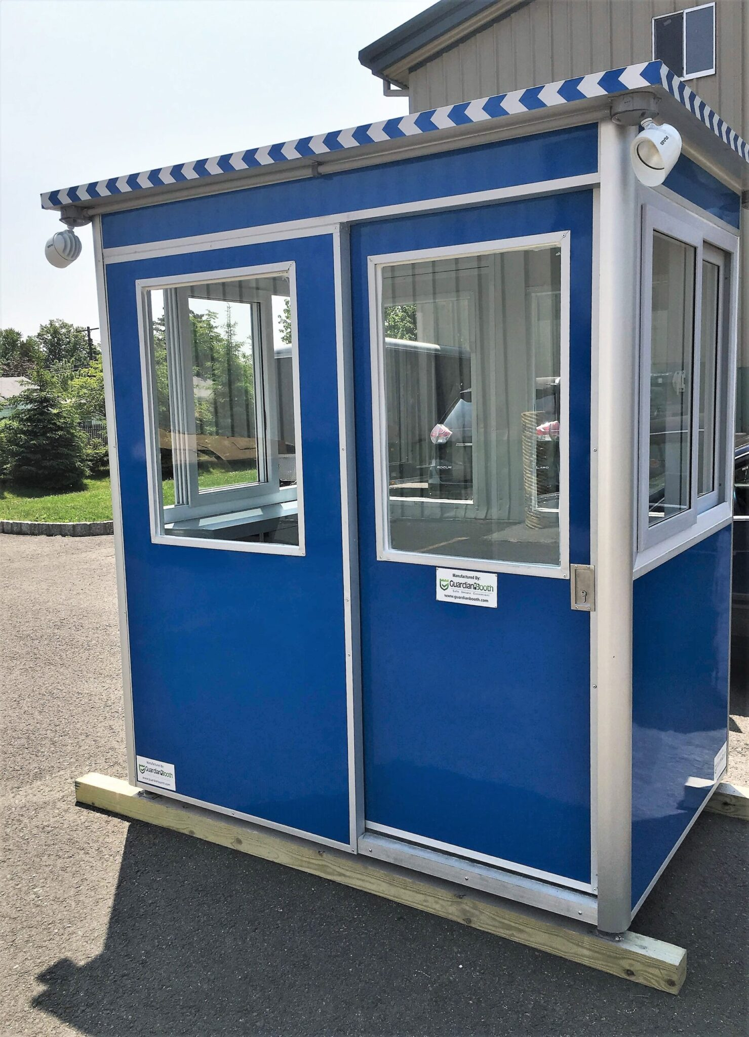 4x6 Entrance Gate Booth in Portland, OR with Sliding door, Sliding Windows, Anchoring Brackets