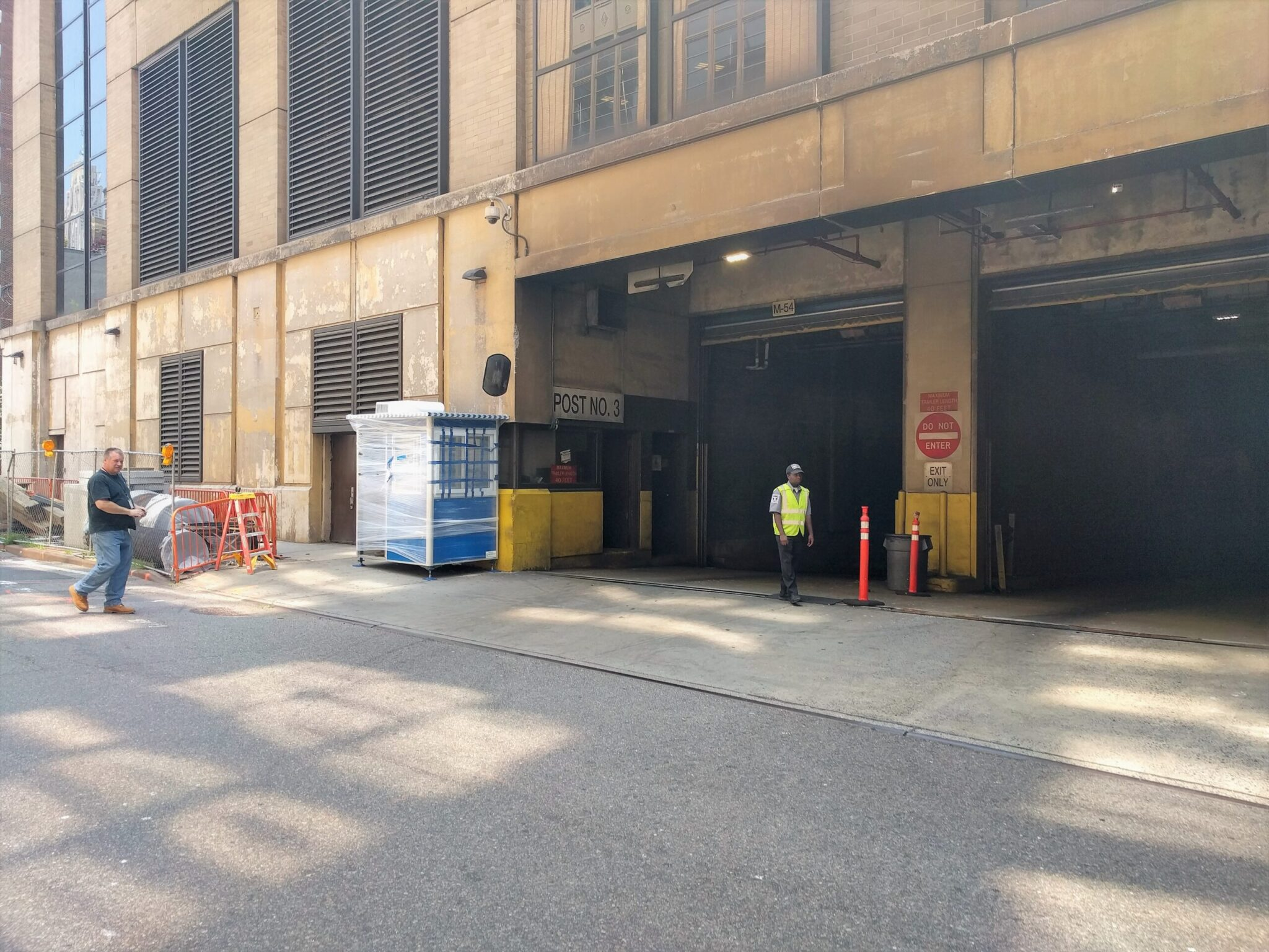 4x6 Front Entrance Booth Delivered in Manhattan, NY outside USPS with HVAC System, Anchoring Brackets, and Sliding Windows