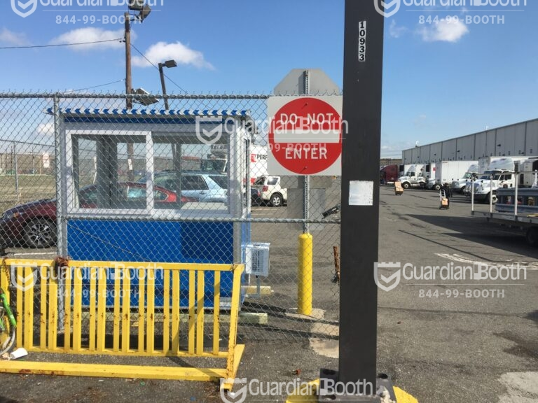 4x6 Parking Booth in Elizabeth, NJ with Built-in AC, Outside Spotlight, Fencing, and Sliding Windows