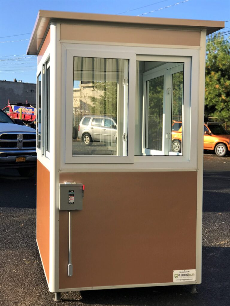4x6 Parking Booth in Houston, TX with Electric Disconnect Switch, Custom Exterior Color and Anchoring Brackets
