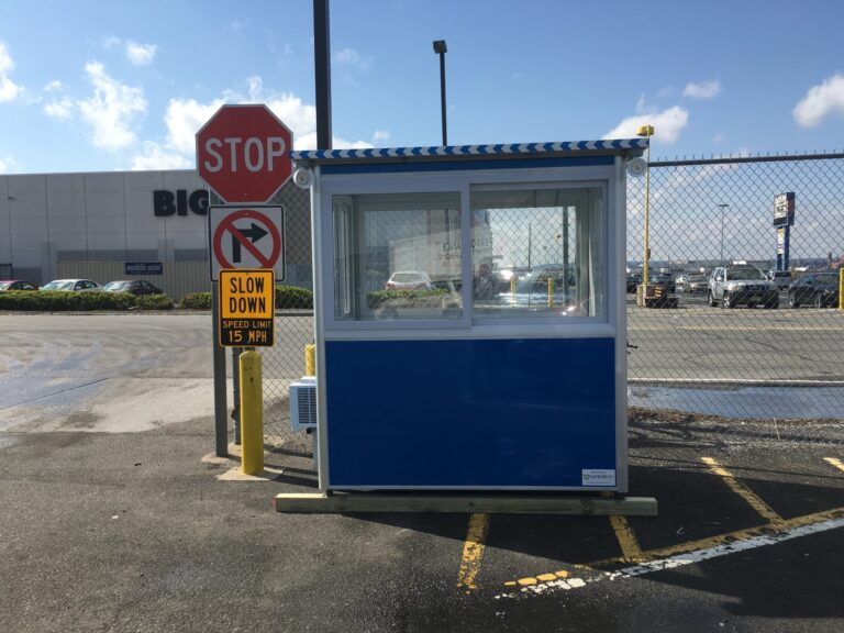 4x6 Security Guard Booth in Elizabeth, NJ with Built-in AC, Outside Spotlights, and Perimeter Security Fencing
