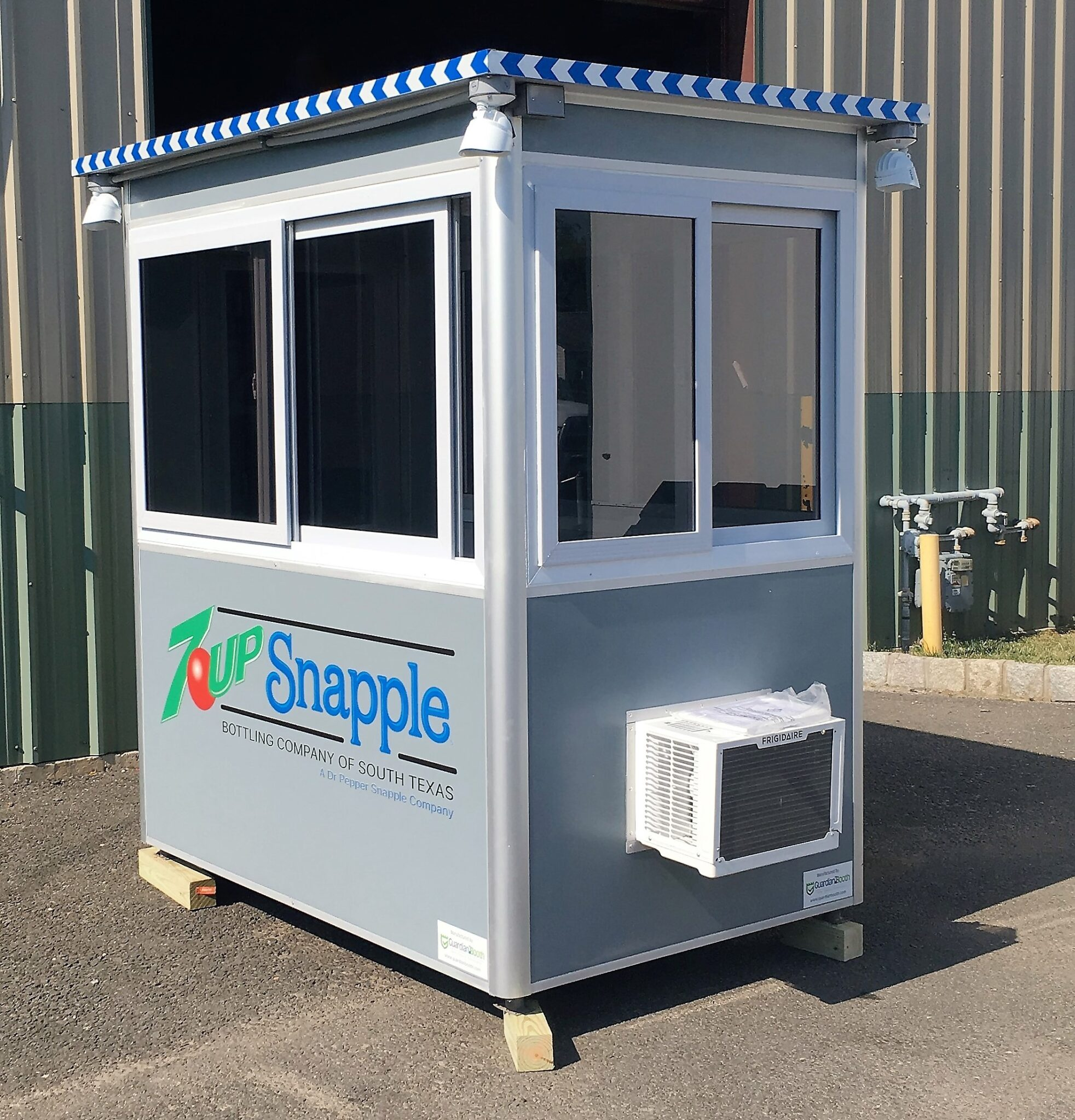 4x6 Security Guard Booth in San Antonio, TX with Built-in AC, Breaker Panel Box, Vinyl Wrap, and Sliding Windows