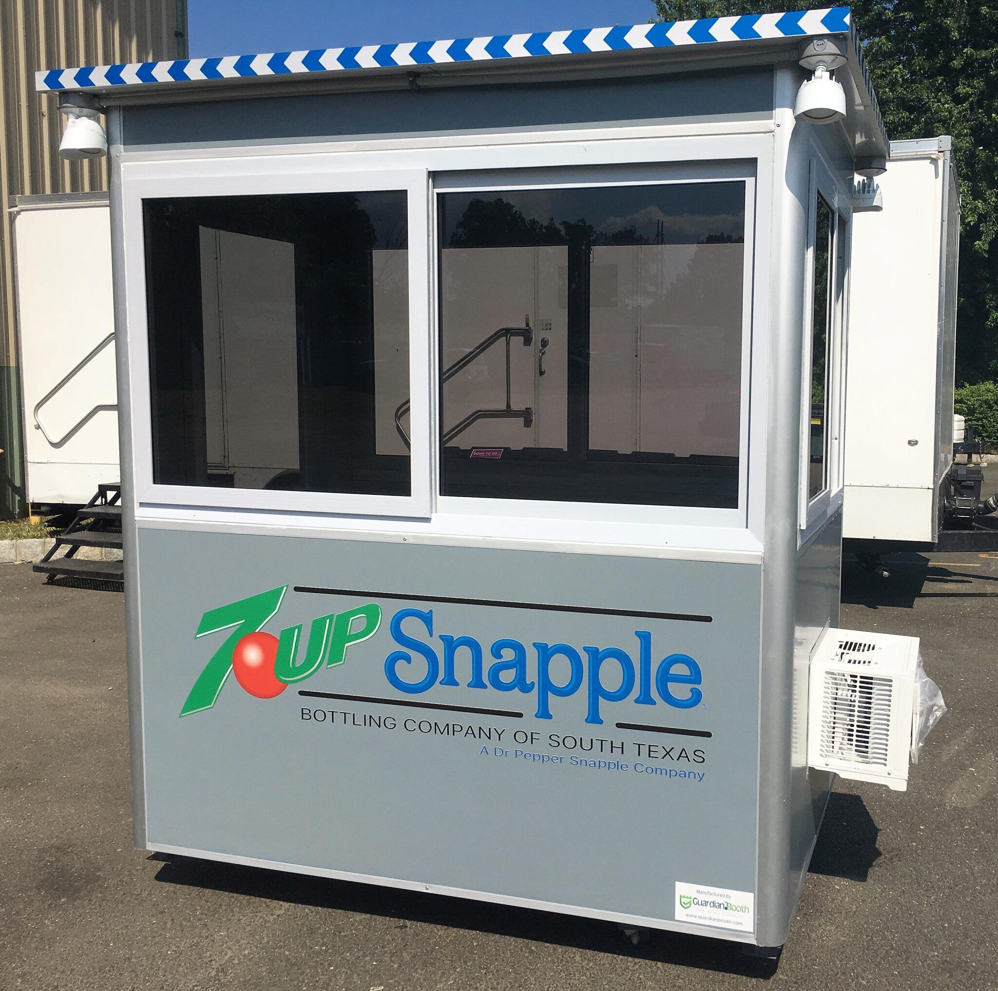 4x6 Security Guard Booth in San Antonio,TX with Tinted Windows, Custom Exterior Color, Custom Graphics, and Outside Spotlights