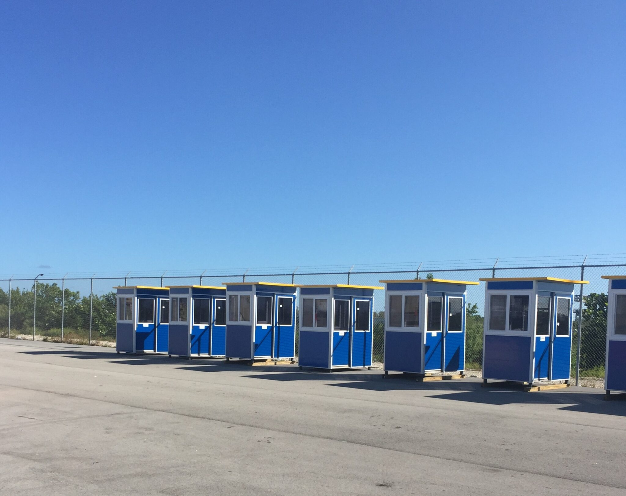 4x6 Security Guard Booths in Fort Lauderdale,FL with Sliding Door, Tinted Windows, and Extended Overhang