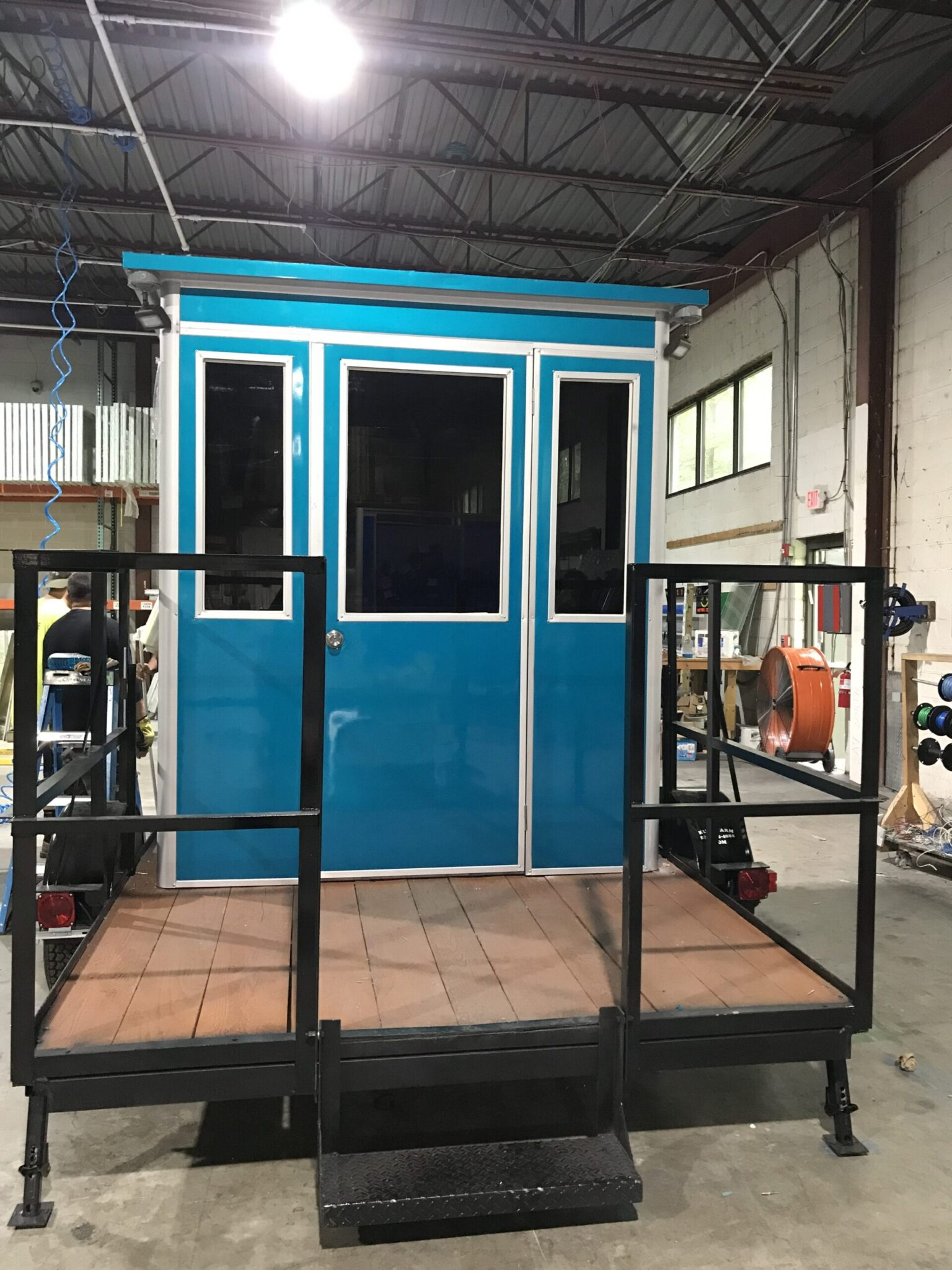 6x6 Trailer Booth in Chalk River, Ontario with Tinted Windows, Generator, Outside Spotlights, Custom Exterior Color, and Built-in AC
