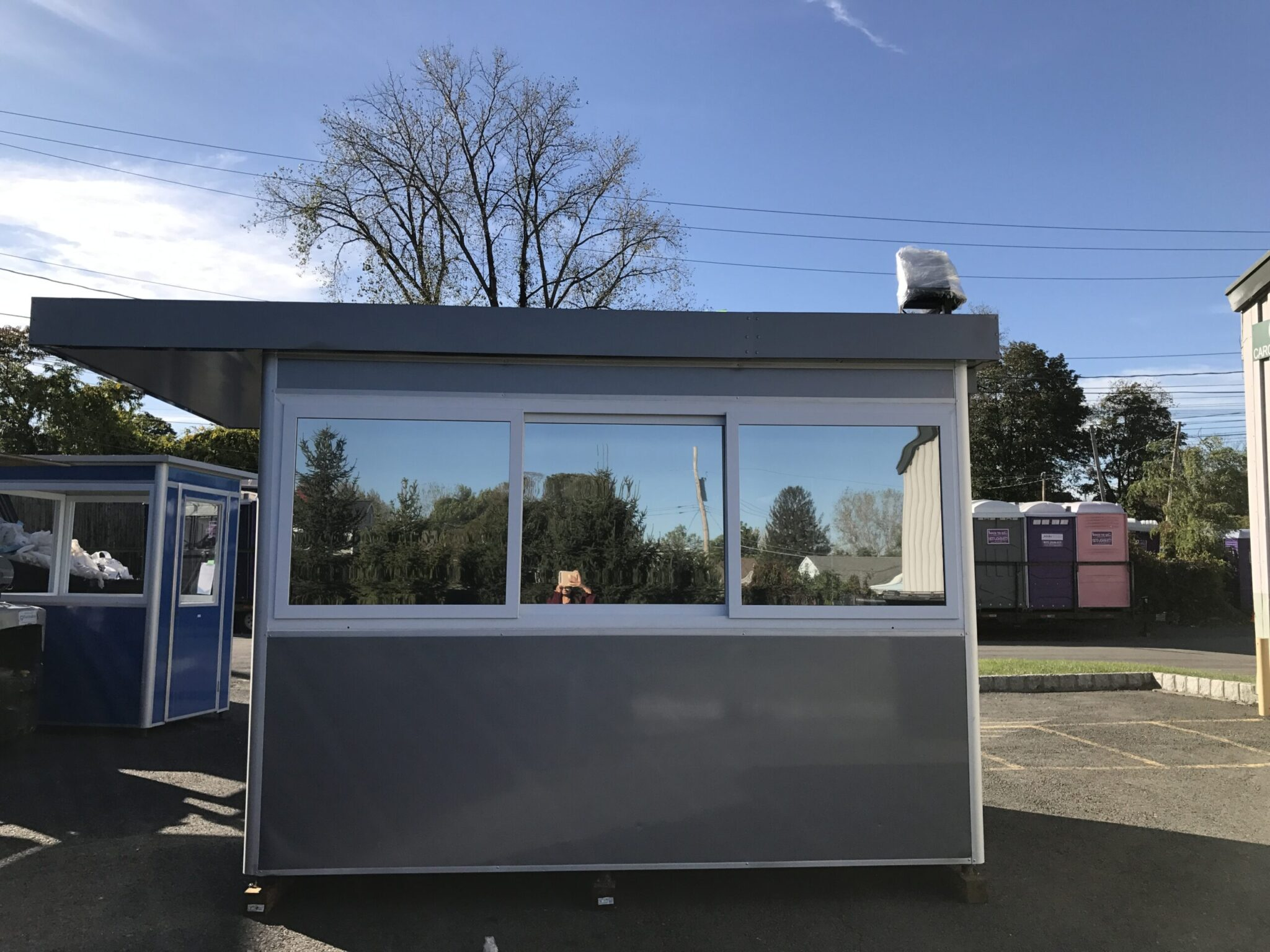 Roof Extended Overhang, 6x8 Construction Site Booth in Bethlehem, PA 1