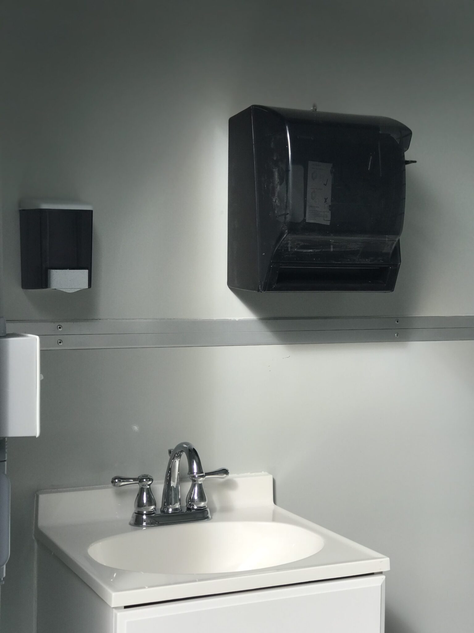 Sink and Soap and Paper Towel Dispenser, 6x8 Airport Security Booth in Carolina, PR 1